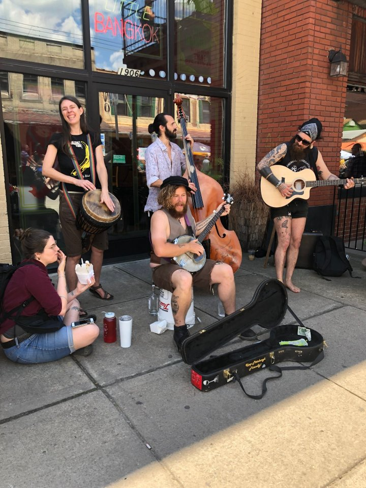 Street-side musicians